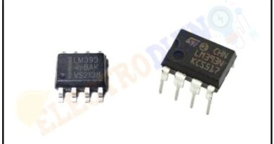 LM393 Comparator IC